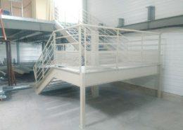Escalier industriel et large palier : une réalisation de mtm, serrurerie-métallerie à Monts